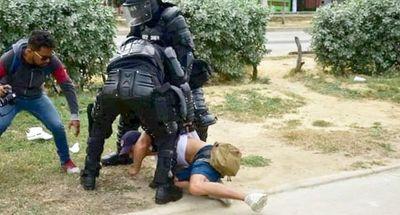 Tres periodistas fueron retenidos durante protestas en Barranquilla