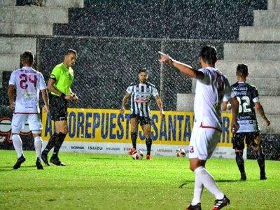 River asegura su permanencia y sueña con la Sudamericana