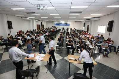 Dan a conocer resultados de examen del concurso de Itaipú