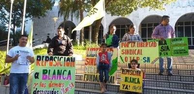 HOY / Docentes de OTEP exigen reponer a Blanca Ávalos