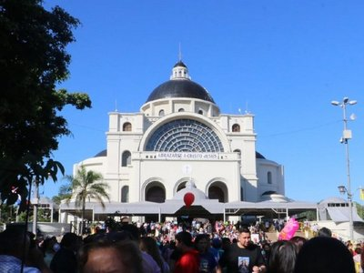 Obispo critica la politiquería que afecta al Paraguay