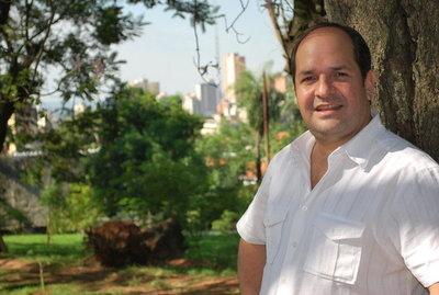 Arnaldo Samaniego buscará la presidencia de la ANR