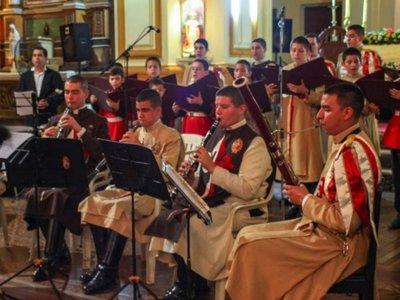 Coro y orquesta de los Heraldos ofrecen villancicos en el BCP