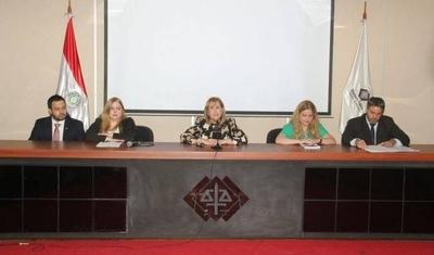 HOY / Fiscalía paraguaya anuncia investigación y defensa de Cartes se pone a disposición