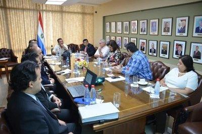 Titular de SEDECO analizó con senadores actualización de normativas de la institución
