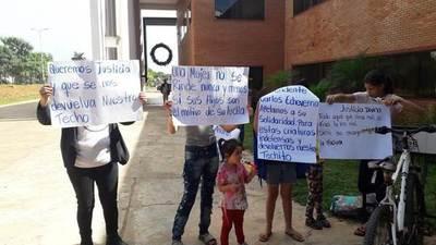 Manifestación en la Municipalidad de Luque •