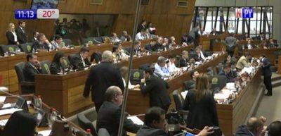 Diputados prevén impulsar expulsión de Ulises Quintana