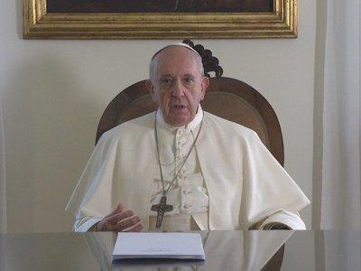 El papa Francisco se operó de cataratas hace unos meses