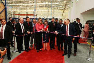 Firma alemana inaugura fábrica de autopartes en Luque