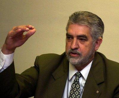 'Kencho' Rodríguez advierte sobre límite de ponencia de la Itaipú para el 2023