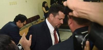 Diputados insisten en renuncia de Ulises Quintana tras su vuelta a prisión