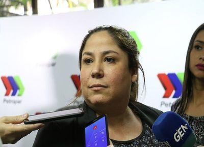 """Presidenta de Petropar justifica millonaria licitación para provisión de """"regalos"""""""