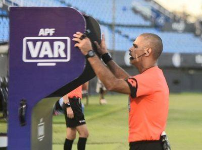 El VAR debuta en Paraguay