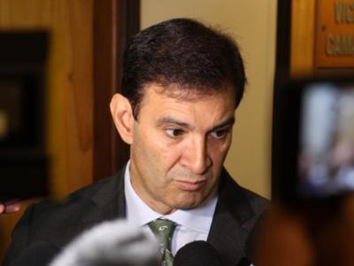 Diputados ejecutó un ejercicio fantasioso para congraciarse con la gente, según Silvio Ovelar
