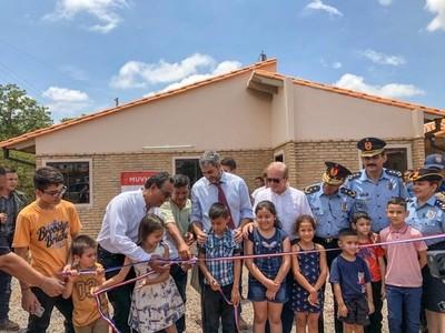 Gobierno inaugura viviendas en J. Augusto Saldívar