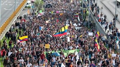 """EN VIVO: Colombia en su tercera huelga general contra el """"paquetazo"""" del gobierno de Duque"""