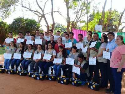 Pobladores de San José de los Arroyos culminaron curso de Fontanería