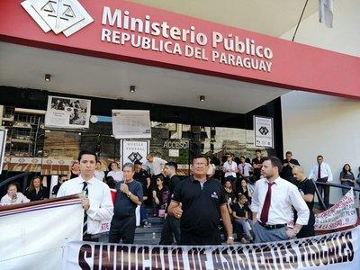 Funcionarios del Ministerio Público levantaron huelga