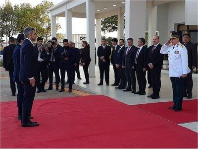 Mario Abdo viaja al Brasil para la Cumbre del Mercosur