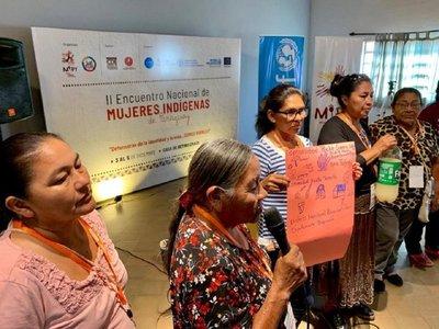 Mujeres indígenas reclaman más políticas públicas al Estado