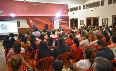 HOY / Mujeres coloradas participan de charla sobre liderazgo
