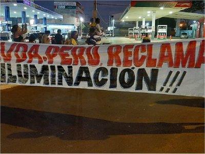 Vecinos de la avenida Perú reclaman falta de iluminación y mantenimiento