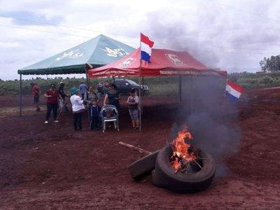Amenazan    con cerrar Puerto Indio    si Gobierno no  asfalta  acceso de tierra