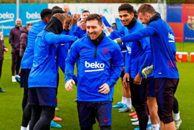 Así recibieron a Messi en el Barca luego de haber ganado el Balón de Oro