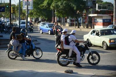 Motociclistas sin casco no podrán cargar combustible en servicentros