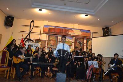 Joven bandoneonista brinda concierto en San Juan, Misiones