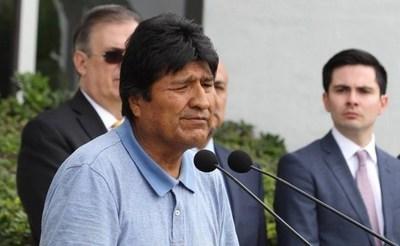 Evo Morales va a Cuba y afirman que al final se asilaría en Argentina tras asunción de Fernández