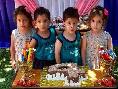 Quintillizos festejaron su cuarto añito con la familia