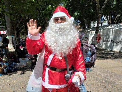 """""""Papá Noel"""" recorre Caacupé"""
