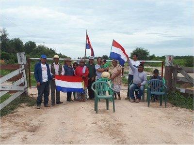 Comunidad de María Auxiliadora bloquea camino ante desidia de autoridades
