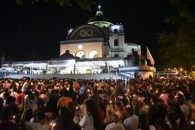 Masiva participación en la víspera de la fiesta mariana
