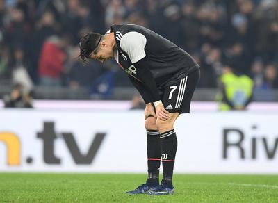 Juventus desaprovecha la chance de retomar la punta y cae ante Lazio