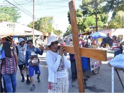 Peregrinación de fieles rumbo a Caacupé