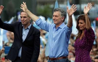 Macri se va y pide cuidar Argentina 'de que no la roben'