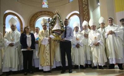 HOY / Resaltan sorpresiva visita de Abdo: hizo trueque y alzó imagen de la Virgen