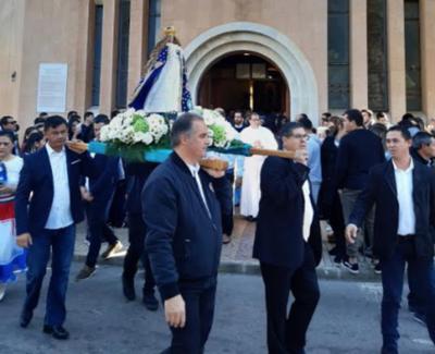 HOY / Paraguayos celebran en Ibiza y en Turquía el día de la Virgen de Caacupé