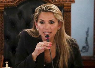 Jeanine Áñez le pega muy duro Alberto Fernández