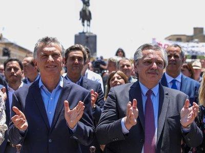 Fernández asume la presidenciade Argentina en medio de la crisis