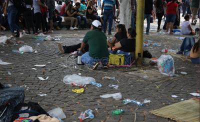 HOY / Peregrinos dejaron 850 toneladas de basura en Caacupé