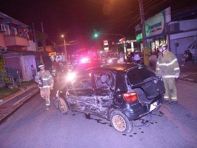 Choque entre vehículos deja 5 heridos en Fernando de la Mora