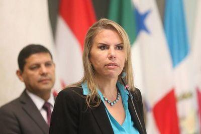 Ministra destaca acuerdo automotriz con Brasil