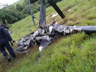 Hallan helicóptero destrozado en Itakyry