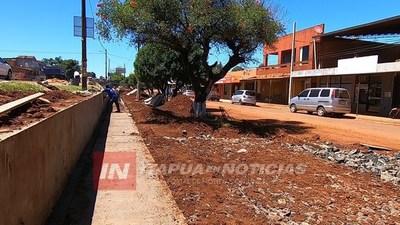 TRP.: OBRA DE ESTACIONAMIENTO BUSCA ORDENAR EL TRÁNSITO EN LAS COLECTORAS