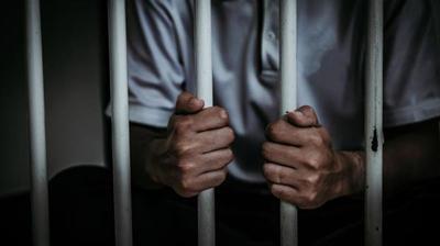 Condenan a un hombre a 10 años de cárcel por Violencia Familiar
