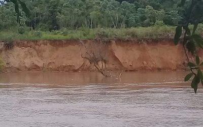 Areneros desbarrancan el Monday y provocan daños ambientales irreparables con total impunidad