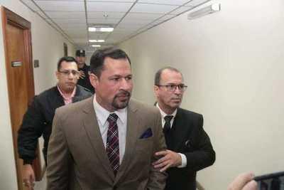 Ulises Quintana, preso en Viñas Cué, pide permiso para visitar a su padre enfermo